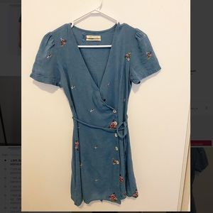 Urban Outfitters Dresses - Urban outfitters embroidered cotton dress
